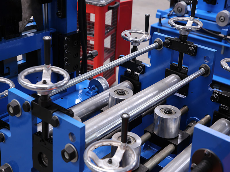 auto C purlin roll forming machine